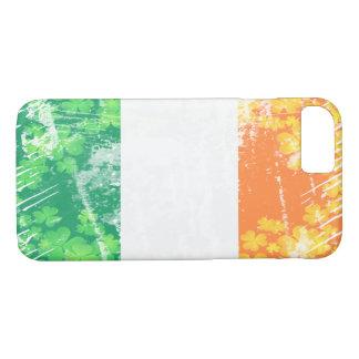 グランジなアイルランドの三色の(アイルランドの旗)シャムロック iPhone 8/7ケース