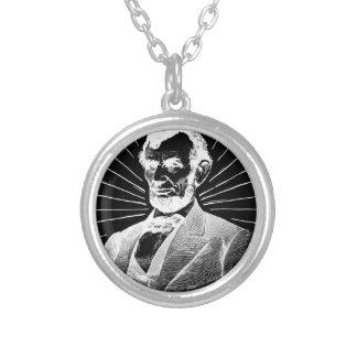 グランジなエイブラハム・リンカーン シルバープレートネックレス
