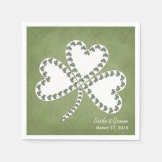 グランジなシャムロックのアイルランドの結婚式の紙ナプキン スタンダードカクテルナプキン