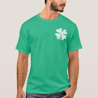 グランジなシャムロックのSt patricks dayのティー の緑のワイシャツ Tシャツ