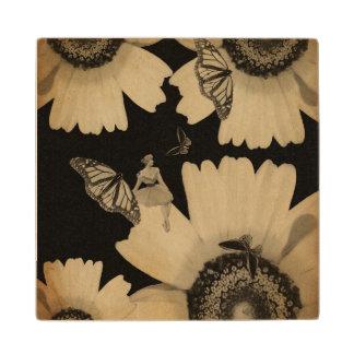 グランジなヴィンテージの女性の花の蝶 ウッドコースター