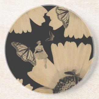 グランジなヴィンテージの女性の花の蝶 コースター