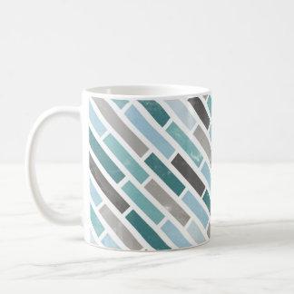 グランジな対角線のストライプパターン コーヒーマグカップ