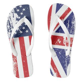 グランジな英国の米国旗2 ビーチサンダル