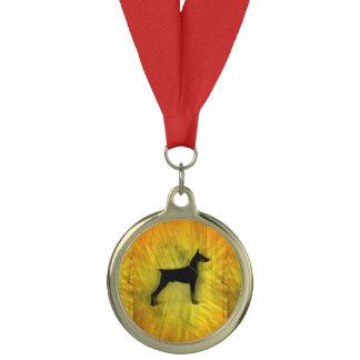 グランジな(犬)ドーベルマン・ピンシェルのシルエット メダル