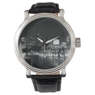 グラント公園のシカゴのグレースケール 腕時計