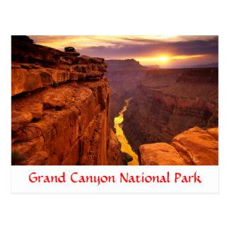 グランドキャニオンの国立公園の日没のアリゾナの郵便はがき ポストカード