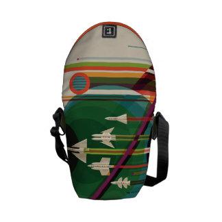グランドツアーのレトロNASA旅行ポスターメッセンジャーバッグ メッセンジャーバッグ