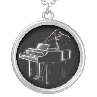 グランドピアノの音楽的なクラシカルな楽器 シルバープレートネックレス