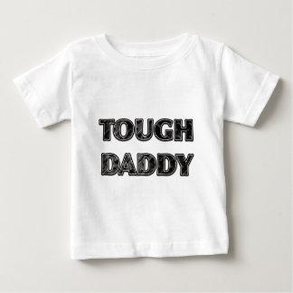 """グリルのプレートのデザインの""""堅いお父さん"""" ベビーTシャツ"""