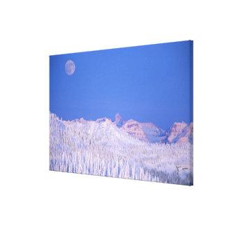 グレーシャー国立公園の上に上がる満月 キャンバスプリント