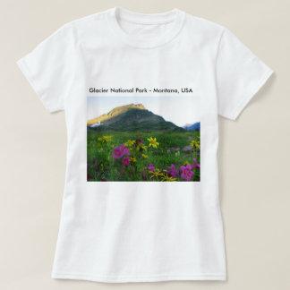 グレーシャー国立公園の野生の花の基本的なTシャツ Tシャツ