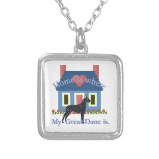 グレートデーンの家はあります シルバープレートネックレス