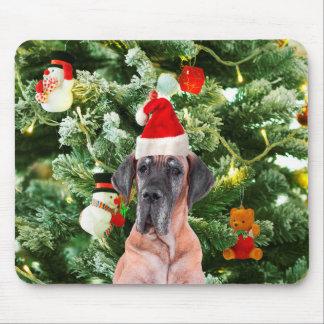 グレートデーンwのクリスマスツリーのギフト用の箱のサンタの帽子 マウスパッド