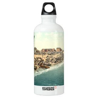 グレートヤーマスのビーチおよび回転タワー、ノーフォーク ウォーターボトル