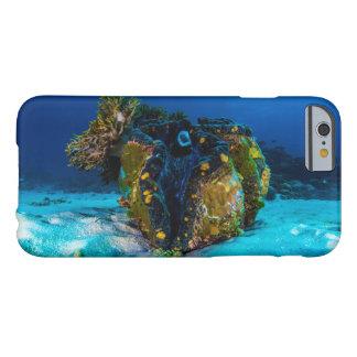 グレート・バリア・リーフの巨大なハマグリ BARELY THERE iPhone 6 ケース