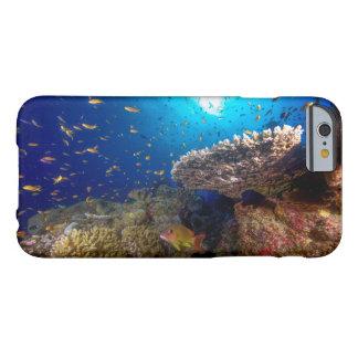 グレート・バリア・リーフの熱帯魚 BARELY THERE iPhone 6 ケース