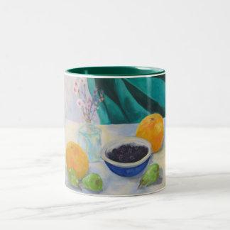 グレープフルーツが付いている静物画、Grが付いている静物画… ツートーンマグカップ