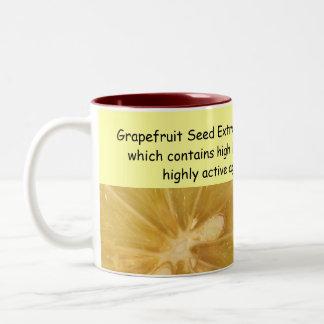 グレープフルーツのマグ ツートーンマグカップ