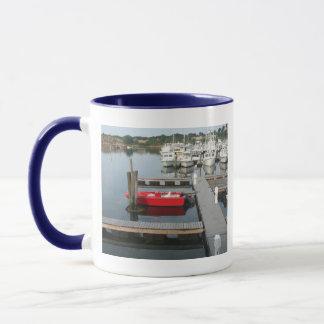 グロスターの赤いボート マグカップ