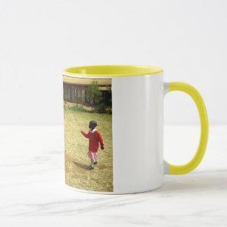 ケニヤのケニアの学童 マグカップ