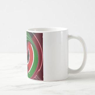 ケニヤの流動旗Hakuna Matata コーヒーマグカップ