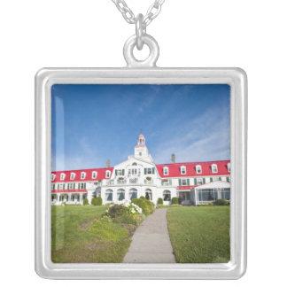 ケベック、カナダ。 歴史的なホテルTadoussac、 シルバープレートネックレス