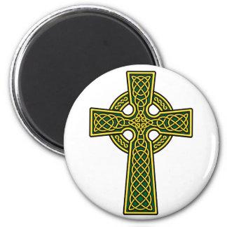 ケルト十字の金ゴールドおよび緑 マグネット