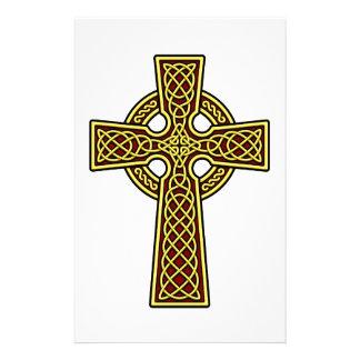 ケルト十字の金ゴールドおよび赤 便箋