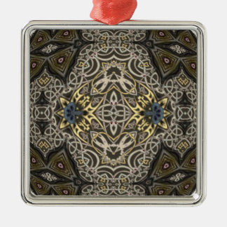 ケルト族のつながりの万華鏡のように千変万化するパターンの曼荼羅 メタルオーナメント