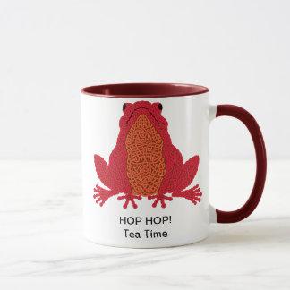 ケルト族のカエルのマグ-赤 マグカップ