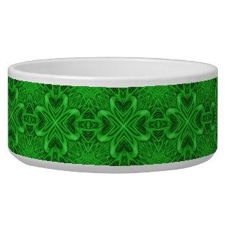 ケルト族のクローバーのヴィンテージの万華鏡のように千変万化するパターンペット皿