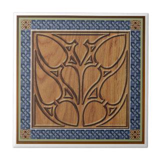 ケルト族のボーダーが付いている中世ゴシック様式正方形 タイル
