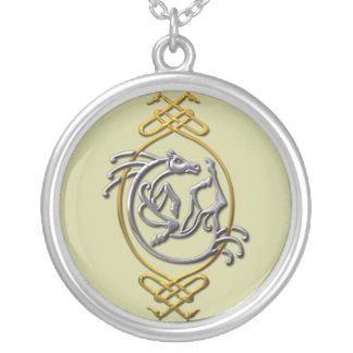 ケルト族の馬-銀および金ゴールド シルバープレートネックレス