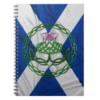 ケルト結び目模様のアザミおよび旗 ノートブック
