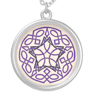 ケルト結び目模様の星形五角形のネックレス シルバープレートネックレス