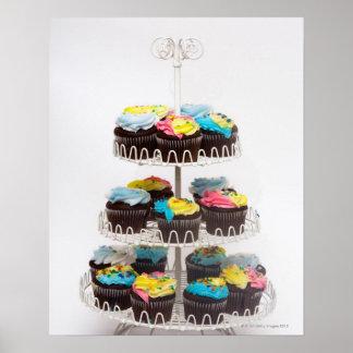 ケーキの立場のチョコレートカップケーキ ポスター