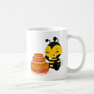 ケーキ-マグを持つ蜂蜜の蜂 コーヒーマグカップ