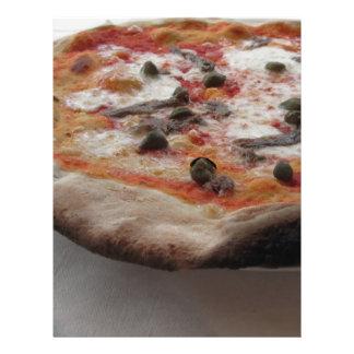 ケーパーおよびアンチョービが付いている元のイタリアンなピザ レターヘッド