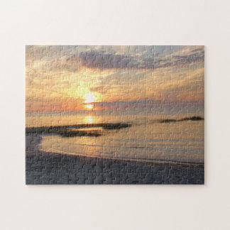 ケープコッドのビーチのパズル上の豪華な日没 ジグソーパズル