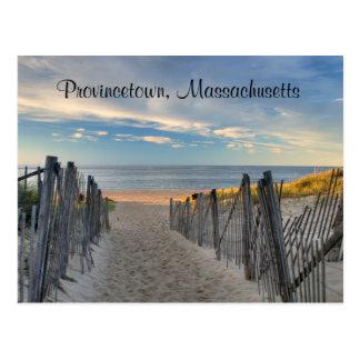 ケープコッドの日没ProvincetownのMAのビーチの郵便はがき ポストカード