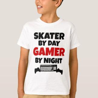 ゲーマーのスケート選手 Tシャツ