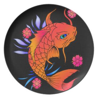 コイの魚および花 プレート