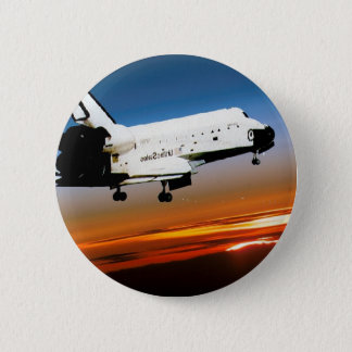 ココアビーチへのNASAのスペースシャトルの飛行 5.7CM 丸型バッジ
