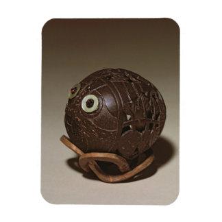 ココナッツは顔、c.1895に彫刻しました マグネット