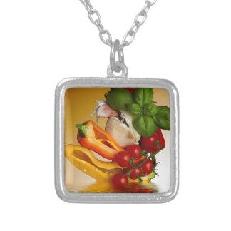 コショウのベズルのトマトのニンニク シルバープレートネックレス