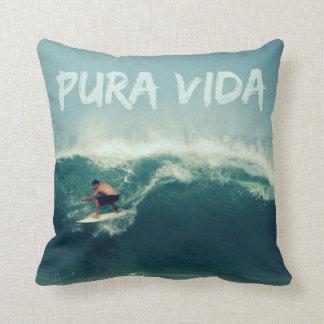 コスタリカのサーファーのPura Vidaの枕 クッション