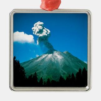 コスタリカを噴火する火山 メタルオーナメント