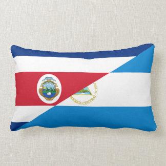 コスタリカニカラグアの半分の旗の記号 ランバークッション