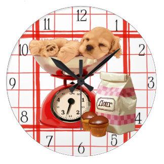 コッカーのspanieおよびレトロのスケール ラージ壁時計